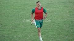 Indosport - Mahmoud Eid sudah mengikuti latihan Persebaya di daerah Karangan, Wiyung, Surabaya, Senin (07/09/20).