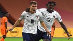 Indosport - Selebrasi gol Nicolo Barella usai mencetak gol kemenangan Italia atas Belanda di laga UEFA Nations League 2020-2021.