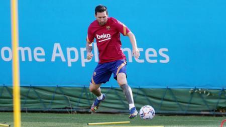 Lionel Messi akhirnya menyatakan siap bertanggung jawab atas huru-hara yang dia ciptakan di Barcelona selama bursa transfer musim panas 2020 ini. - INDOSPORT