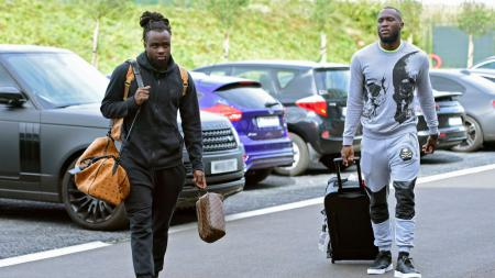Jordan Lukaku (kiri) adik dari Romelu Lukaku yang diincar Leeds United. - INDOSPORT