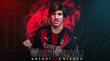 Pemain baru AC Milan, Sandro Tonali mengungkapkan rasa bangganya setelah resmi berseragam Merah-Hitam dan menyebut transfer ini adalah mimpi yang jadi nyata. - INDOSPORT