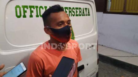 Winger lincah Persebaya Surabaya, Irfan Jaya masih semangat mengikuti latihan yang dipimpin Aji Santoso. - INDOSPORT