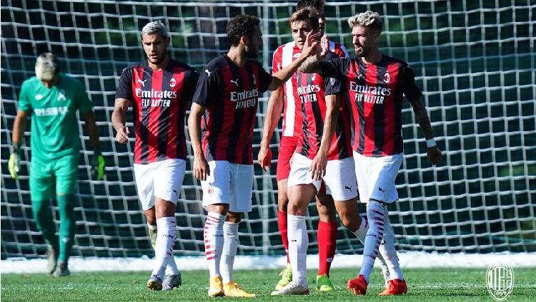 Skuat AC Milan merayakan gol dalam laga pramusim melawan Vicenza, Rabu (10/09/20) . Copyright: acmilan.com