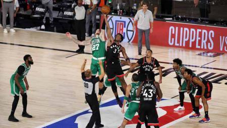 Pertandingan antara Toronto Raptors v Boston Celtics. - INDOSPORT