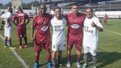 Indosport - Joao Carlos (ketiga dari kiri) mengaku memiliki tekad kuat untuk kembali sebagai pelatih masa depan Arema, lantaran tak bisa melupakan perjalanan kariernya yang bergelimang.