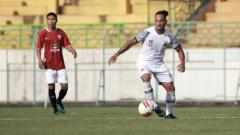 Indosport - Wajah baru di skuat Madura United, Mickael Partodikromo yang merupakan pemain keturunan Indonesia berpaspor Prancis.