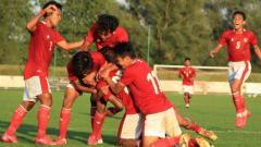 Indosport - Selebrasi pemain timnas Indonesia U-19 selepas membobol gawang Arab Saudi dalam laga uji coba di Kroasia, Jumat (11/09/20).