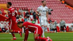 Indosport - Legenda Inggris Memberikan Saran Supaya Liverpool Segera Melupakan Virgil van Dijk.