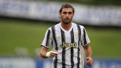 Indosport - Juventus diketahui sedang menyiapkan rencana licik yang melibatkan wonderkid mereka untuk merebut salah satu bintang andalan AC Milan.