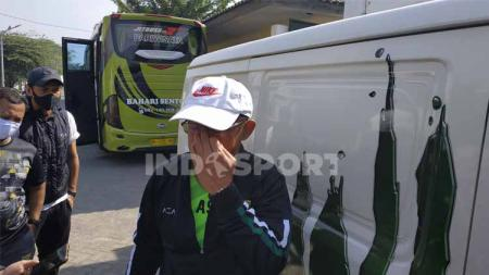 Aji Santoso, pelatih Persebaya Surabaya. - INDOSPORT