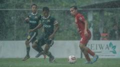 Indosport - Uji coba Tira Persikabo saat melawan Persija Jakarta.