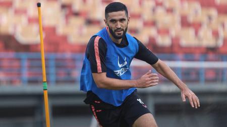 Striker anyar Borneo FC, Francisco Torres, berlatih menjelang kick-off Liga 1 2020. - INDOSPORT