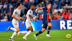 Indosport - Gelandang PSG, Angel Di Maria, beraksi dalam pertandingan Ligue 1 Prancis kontra Metz, Rabu (16/9/20).
