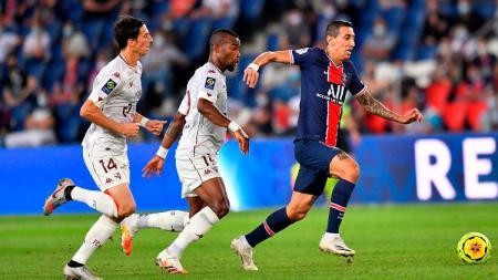 Gelandang PSG, Angel Di Maria, beraksi dalam pertandingan Ligue 1 Prancis kontra Metz, Rabu (16/9/20). - INDOSPORT