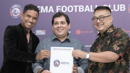 Pelatih baru Arema FC, Carlos Carvalho De Oliviera. - INDOSPORT