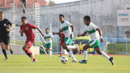 Timnas Indonesia U-19 saat melawan Qatar U-19. - INDOSPORT