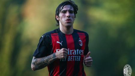 Gelandang muda AC Milan, Sandro Tonali. - INDOSPORT