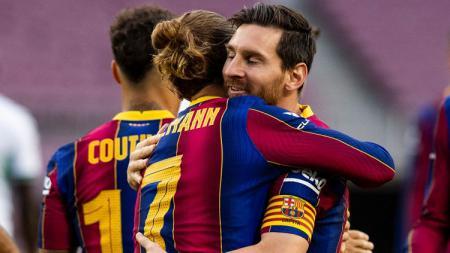 Megabintang Barcelona, Lionel Messi, kabarnya telah meminta manajemen raksasa LaLiga Spanyol tersebut untuk mendepak rekannya yang bernama Antoine Griezmann. - INDOSPORT