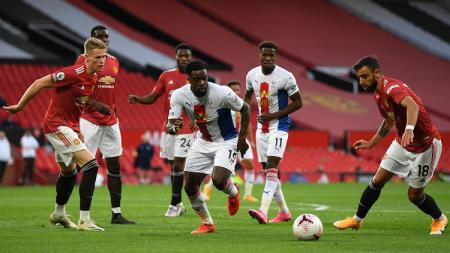Aksi gelandang Manchester United, Bruno Fernandes, dalam pertandingan Liga Inggris kontra Crystal Palace, Sabtu (19/9/20). - INDOSPORT