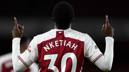 Arsenal sukses mengalahkan Dundalk di Liga Europa. Tiga bintang mudanya, Folarin Balogun, Eddie Nketiah, dan Joe Willock menghadirkan rekor untuk The Gunners. - INDOSPORT