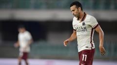 Indosport - Ekspresi Pedro Rodriguez usai AS Roma ditahan imbang Verona dalam laga lanjutan Serie A Italia, Sabtu (19/9/20).