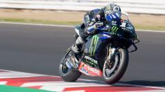 Indosport - Pembalap Yamaha, Maverick Vinales, dinyatakan sebagai juara MotoGP Emilia Romagna, sementara rekan setimnta Valentino Rossi gagal membukukan hasil positif.