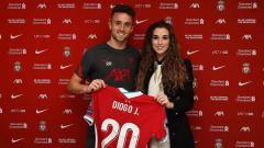 Indosport - Rute Cardoso, kekasih pemain baru Liverpool, Diogo Jota.