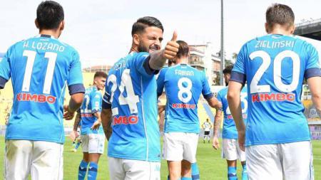 Selebrasi pemain Napoli, Lorenzo Insigne usai mencetak gol untuk Napoli pertandingan Serie A antara Parma Calcio vs SSC Napoli. - INDOSPORT