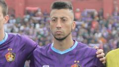 Indosport - Defender Persik asal Brasil, Jefferson Formigao.