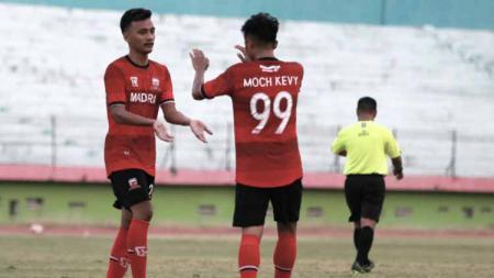 Madura United memilih untuk meliburkan anggota tim dari segala aktivitas sepak bola, sembari menunggu kejelasan perihal status lanjutan kompetisi Liga 1. - INDOSPORT