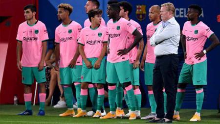 Ada dua alasan mutlak jika pelatih Ronald Koeman berhasil jadi pembimbing raksasa LaLiga Spanyol, Barcelona ke jalan kebenaran. - INDOSPORT