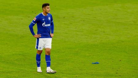 Butuh bek tengah baru jelang penutupan bursa transfer, AC Milan kini mempertimbangkan dua opsi terakhir mereka, yakni Antonio Rudiger dan Ozan Kabak. - INDOSPORT