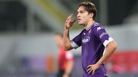 Rekrutan anyar Juventus, Federico Chiesa, tampaknya telah membuat mantan klubnya, Fiorentina, makin geram dan naik pitam karena meminta satu hal ini. - INDOSPORT
