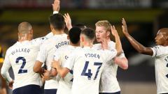 Indosport - Para pemain Manchester City merayakan gol Phil Foden ke gawang Wolves