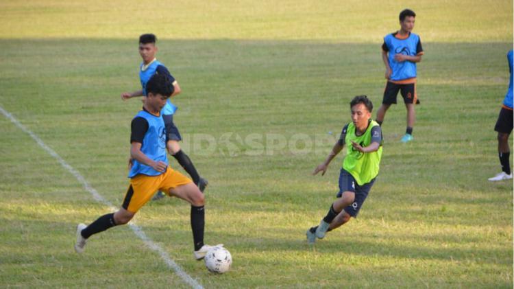 Klub baru Liga 3 asal Sumut, Batubara Bisa FC, menggelar seleksi tim. Copyright: Aldi Aulia Anwar/INDOSPORT