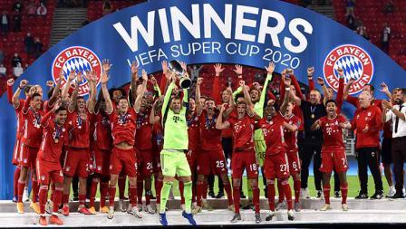 Selebrasi pemain Bayern Muncehn setelah memenangkan UEFA Super Cup 2020.