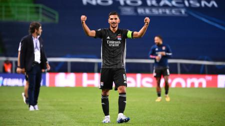 Klub sepak bola Liga Inggris, Arsenal, dilaporkan bakal mendapatkan diskon dari Olympique Lyon terkait transfer Houssem Aouar. - INDOSPORT