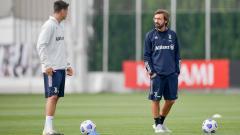 Indosport - Para pemain Juventus kebingungan dan tak tahu apa yang diinginkan Andrea Pirlo karena sang pelatih jarang berdiskusi soal taktik dengan mereka.