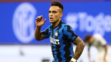 Lautaro Martinez tampil gemilang saat Inter Milan menghajar AC Milan. Barcelona pun layak menyesal gagal memboyongnya di bursa transfer musim panas lalu. - INDOSPORT