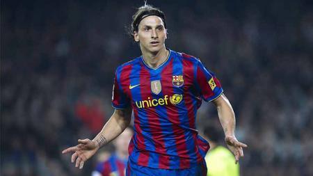 Zlatan Ibrahimovic bisa jadi salah satu contoh nyata bahwa meninggalkan raksasa LaLiga Spanyol Barcelona tak selamanya jadi tanda penurunan karier sepak bola. - INDOSPORT