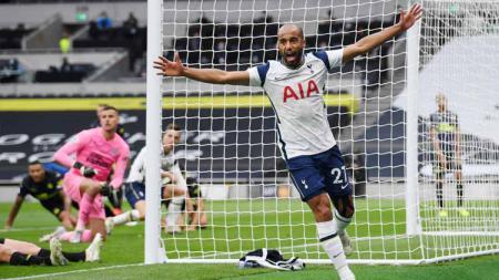 Selebrasi pemain Tottenham Hotspur, Lucas Moura usai mencetak gol pertama untuk timnya di Liga Premier antara Tottenham Hotspur vs Newcastle United Minggu (27/09/2020). - INDOSPORT