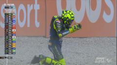 Indosport - ejak kembali bergabung dengan Yamaha di MotoGP pada 2013 Valentino Rossi dinilai tampil cukup mentereng meski usianya tak muda lagi. Namun kini perlahan semua sirna terlebih di tiga balapan terakhir.