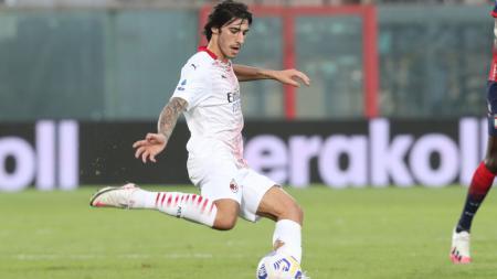 Sandro Tonali di laga Crotone vs AC Milan - INDOSPORT