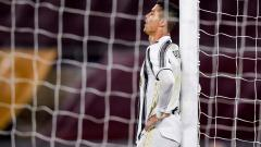 Indosport - Megabintang Juventus, Cristiano Ronaldo, tampak kelelahan saat melawan AS Roma