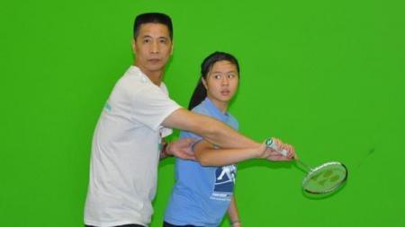 Nama Xiong Guobao (kiri) memang tidak setenar Lin Dan, tetapi siapa sangka pemain yang dijuluki raja backhand oleh media China pernah 'sakiti' Icuk Sugiarto di Indonesia Open? - INDOSPORT