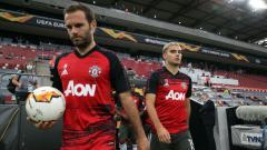 Indosport - Dua pemain Manchester United, Juan Mata dan Andreas Pereira dikabarkan akan bergabung ke Lazio.