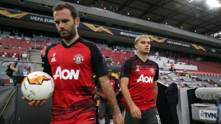 Juan Mata masih bisa memikat banyak klub meski usianya tidak muda lagi. - INDOSPORT