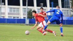 Indosport - Pertandingan uji coba antara Timnas Indonesia U-19 vs Dinamo Zagreb U-19, Senin (28/09/20).