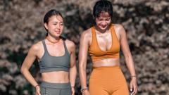 Indosport - Kirana Larasati (kanan) dengan Inka Fitria