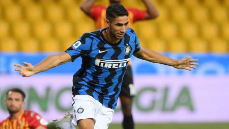 Selebrasi Achraf Hakimi usai mencetak gol di laga Benevento vs Inter Milan. - INDOSPORT